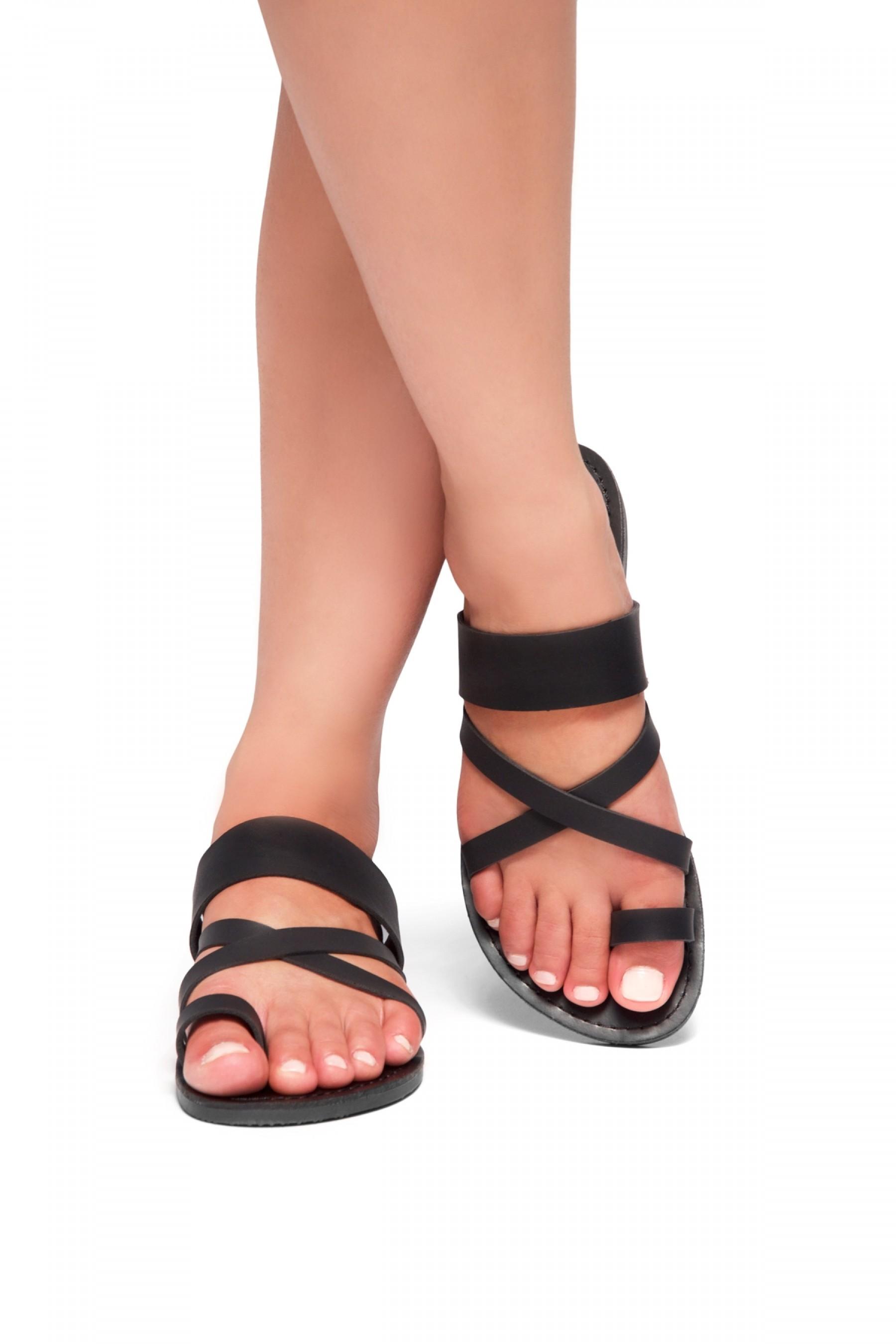 d5de4c08377f Women s Donnoddi Toe Ring Sandal with Unique Crisscross Straps ...