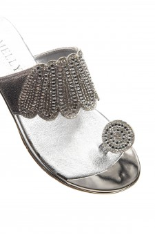 HerStyle SHOWSTOPPER- Toe Ring with blink blink jeweled embellishment vamp, open toe sandals (Black)