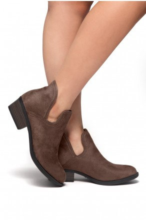 HerStyle Cabbe-Almond toe, stacked heel (Khaki)