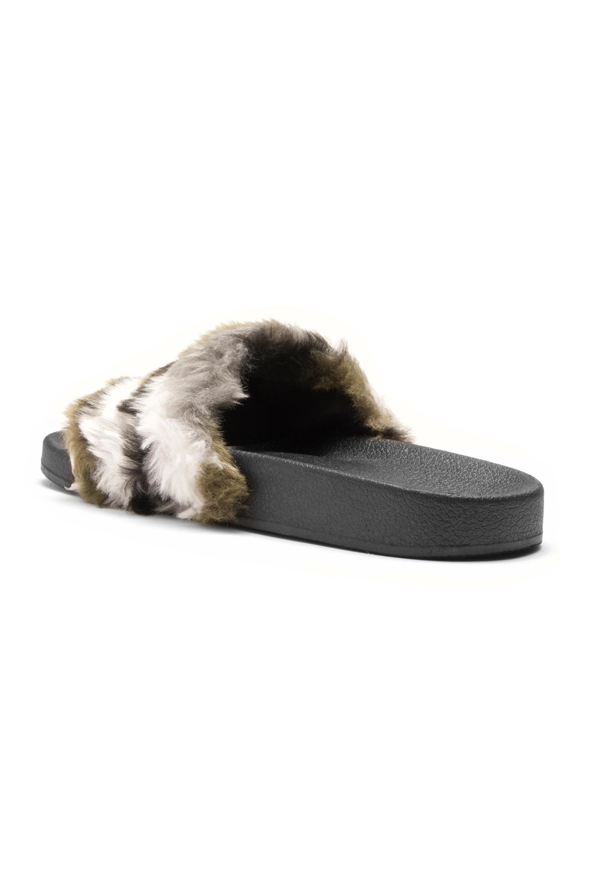 aa39685b895c Herstyle Women s SL-160801 Faux Fur Slide Sandal(Camouflag)