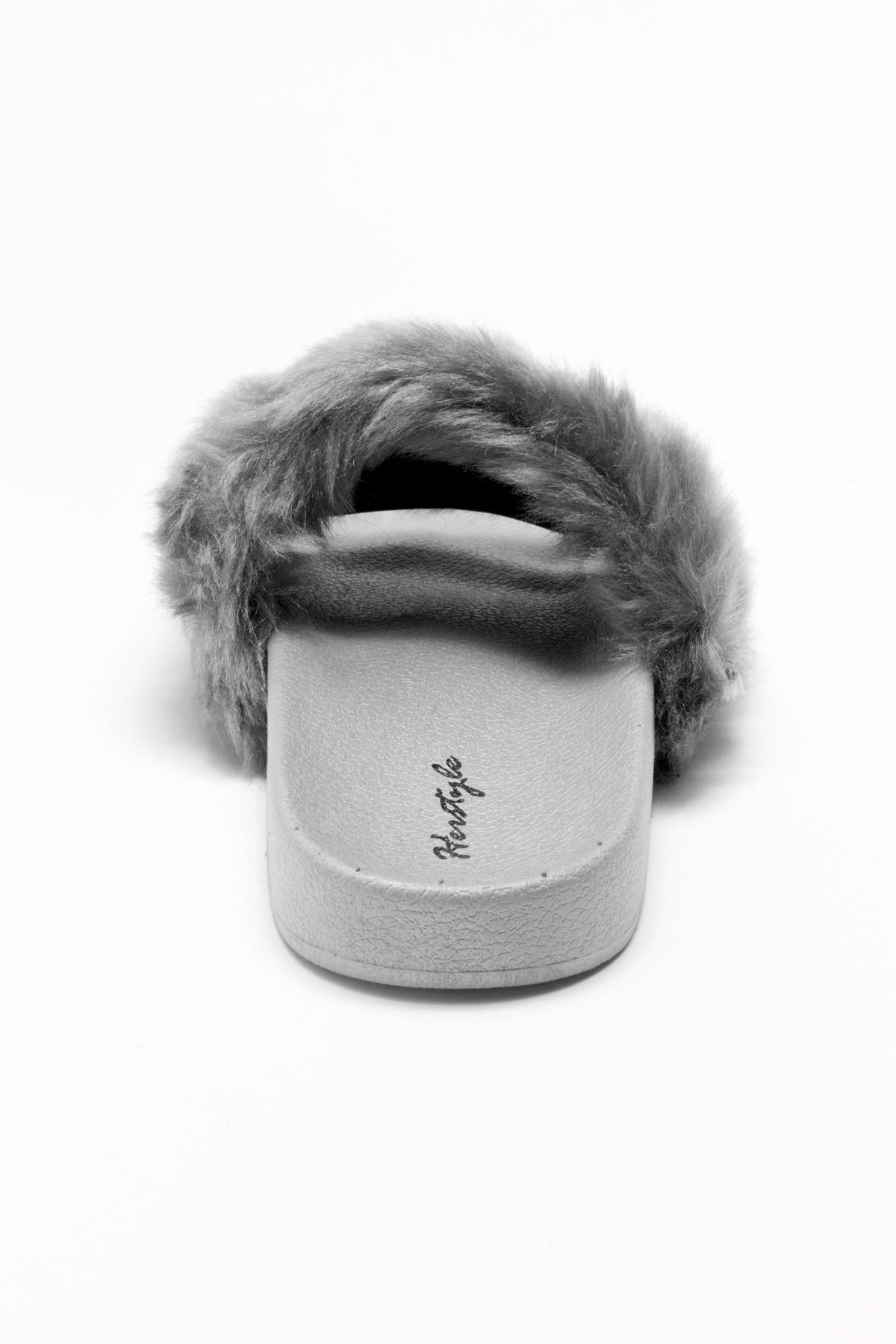 6c4c19055a71 Herstyle Women s SL-160801 Faux Fur Slide Sandal(Grey)