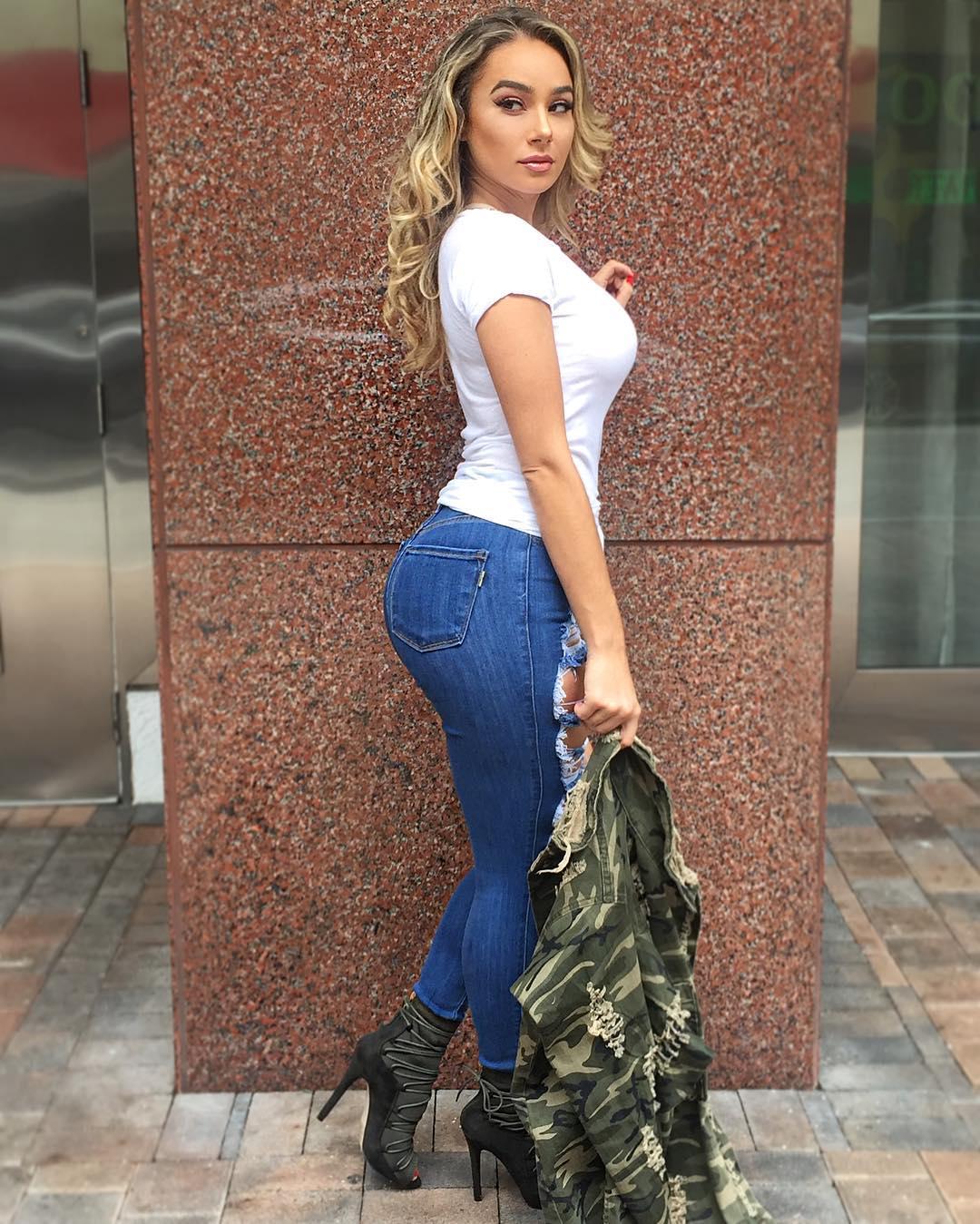 bella_potente shoeland fan / influencer